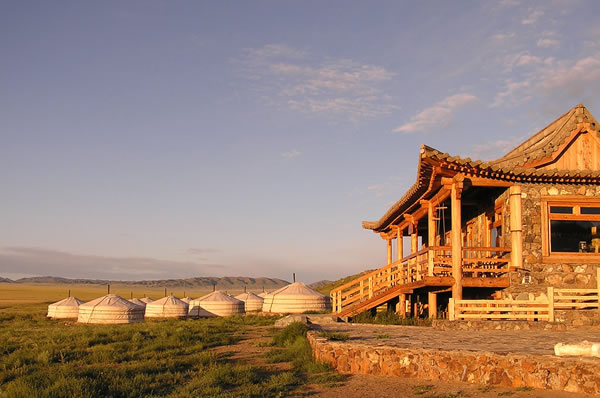 Mongolia Luxury Lodge Gobi Three Camel Lodge