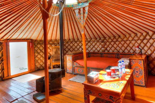 yurta Mongolia Luxury Lodge Gobi Three Camel Lodge